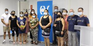 La ONG valenciana Visió Sense Fronteres ha hecho entrega de 15 gafas graduadas a la Federación Autonómica de Asociaciones Gitanas de la Comunidad Valenciana (FAGA)
